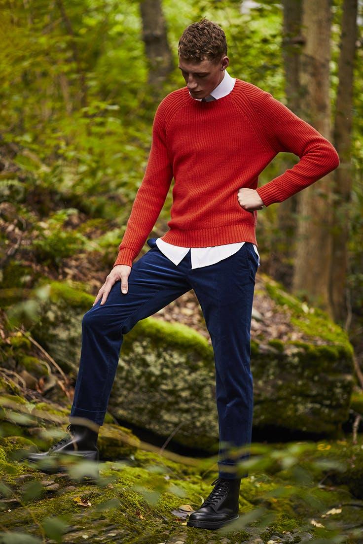 Man wearing Cotton Cashmere Raglan Sweater